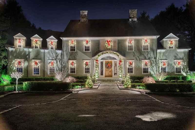 outdoor-Christmas-light-decoration-ideas-158 98+ Magical Christmas Light Decoration Ideas for Your Yard