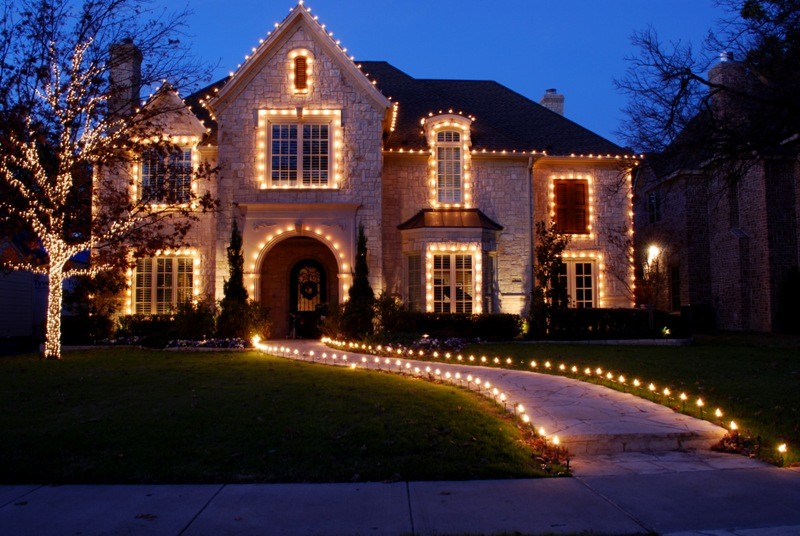 outdoor-Christmas-light-decoration-ideas-160 98+ Magical Christmas Light Decoration Ideas for Your Yard 2018