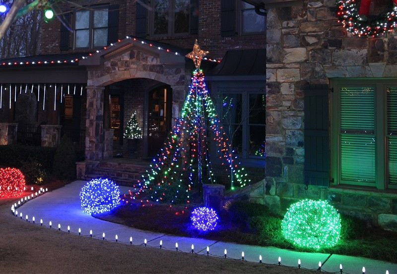 outdoor-Christmas-light-decoration-ideas-161 98+ Magical Christmas Light Decoration Ideas for Your Yard 2018