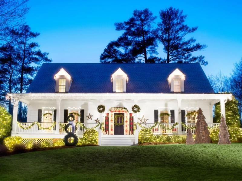 outdoor-Christmas-light-decoration-ideas-165 98+ Magical Christmas Light Decoration Ideas for Your Yard