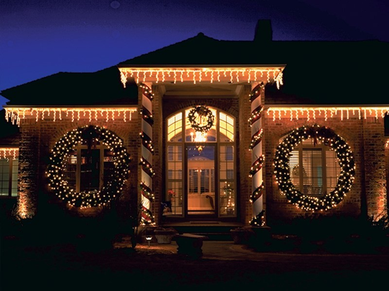 outdoor-Christmas-light-decoration-ideas-171 98+ Magical Christmas Light Decoration Ideas for Your Yard