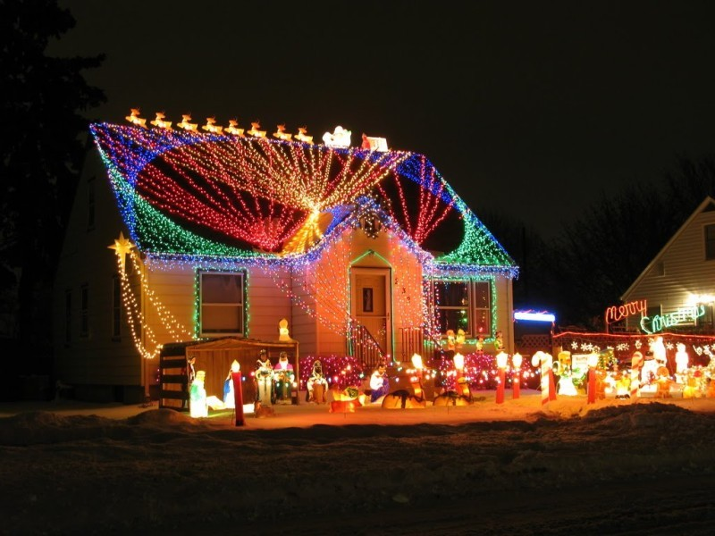 outdoor-Christmas-light-decoration-ideas-172 98+ Magical Christmas Light Decoration Ideas for Your Yard