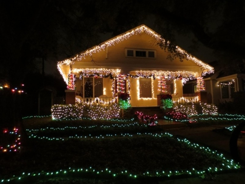outdoor-Christmas-light-decoration-ideas-174 98+ Magical Christmas Light Decoration Ideas for Your Yard