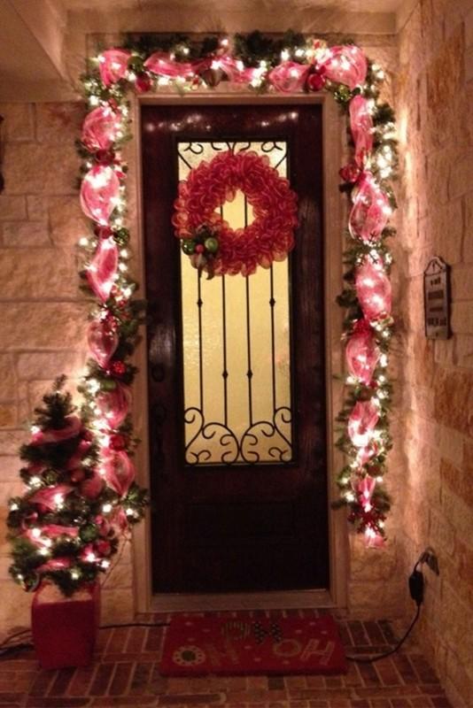 outdoor-Christmas-light-decoration-ideas-28 98+ Magical Christmas Light Decoration Ideas for Your Yard