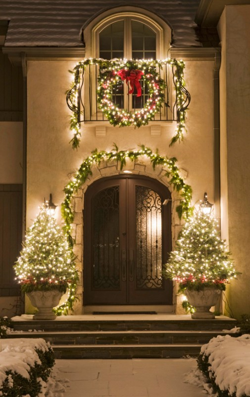 outdoor-Christmas-light-decoration-ideas-3 98+ Magical Christmas Light Decoration Ideas for Your Yard