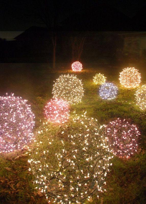 outdoor-Christmas-light-decoration-ideas-36 98+ Magical Christmas Light Decoration Ideas for Your Yard