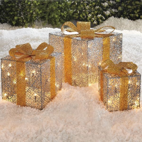 18 Magical Christmas Yard Decorations: 98+ Magical Christmas Light Decoration Ideas For Your Yard