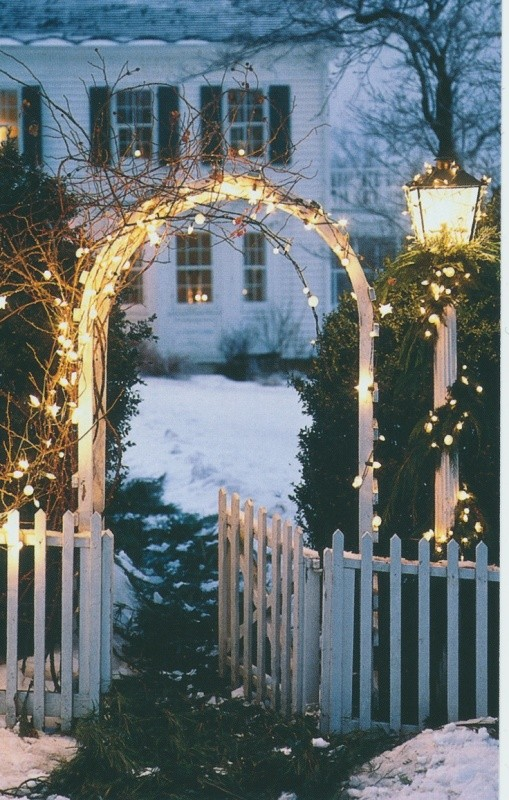 outdoor-Christmas-light-decoration-ideas-4 98+ Magical Christmas Light Decoration Ideas for Your Yard 2018