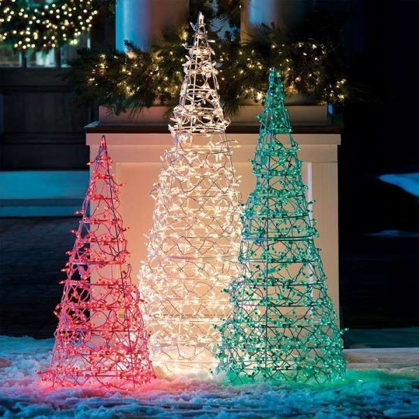outdoor-Christmas-light-decoration-ideas-47 98+ Magical Christmas Light Decoration Ideas for Your Yard 2018