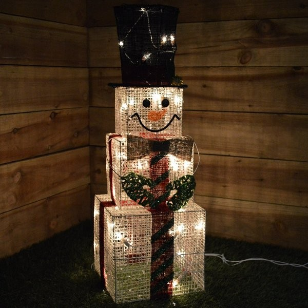 outdoor-Christmas-light-decoration-ideas-49 98+ Magical Christmas Light Decoration Ideas for Your Yard