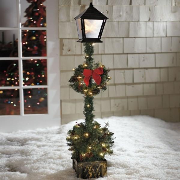 outdoor-Christmas-light-decoration-ideas-56 98+ Magical Christmas Light Decoration Ideas for Your Yard