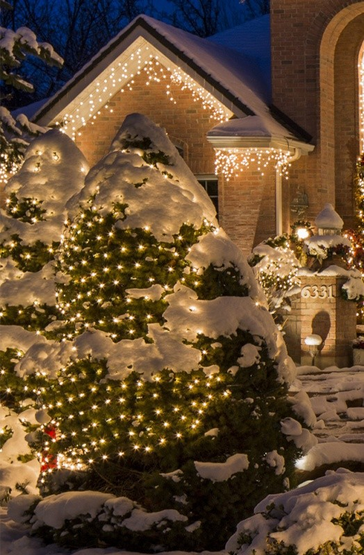outdoor-Christmas-light-decoration-ideas-6 98+ Magical Christmas Light Decoration Ideas for Your Yard 2018