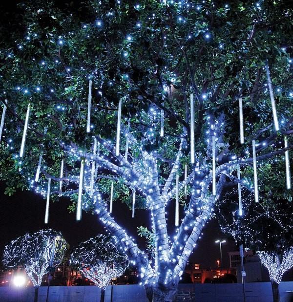 outdoor-Christmas-light-decoration-ideas-71 98+ Magical Christmas Light Decoration Ideas for Your Yard