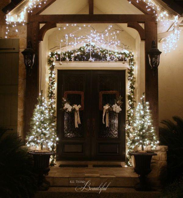 outdoor-Christmas-light-decoration-ideas-72 98+ Magical Christmas Light Decoration Ideas for Your Yard