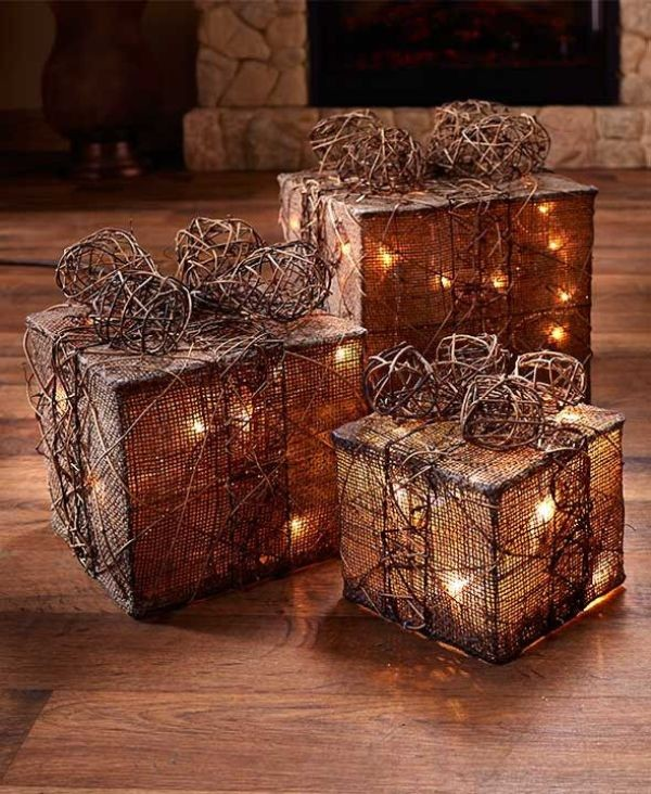 outdoor-Christmas-light-decoration-ideas-79 98+ Magical Christmas Light Decoration Ideas for Your Yard
