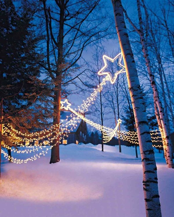 outdoor-Christmas-light-decoration-ideas-82 98+ Magical Christmas Light Decoration Ideas for Your Yard 2018