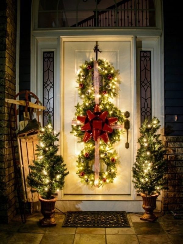 outdoor-Christmas-light-decoration-ideas-90 98+ Magical Christmas Light Decoration Ideas for Your Yard 2018