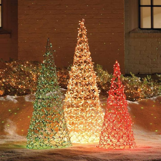 outdoor-christmas-decorations-tomato-cage-christmas-trees-675x675 Top 10 Outdoor Christmas Light Ideas for 2018