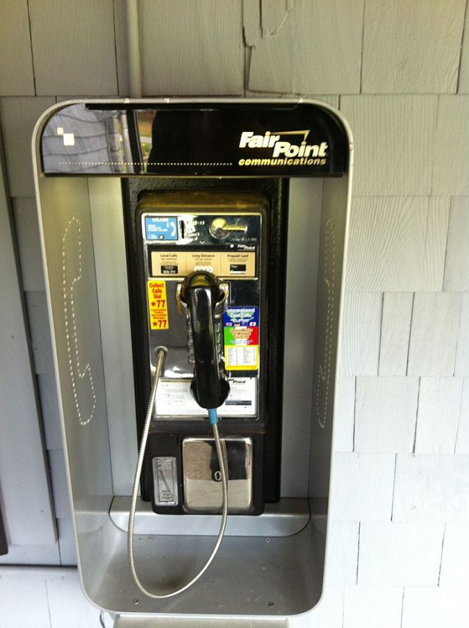 pay-phone-675x904 Top 10 Outdated Technologies Will Be Used Till 2020