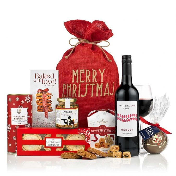 santa-christmas-hamper-675x675 10 Must-Have Christmas Gift Ideas for Men In 2020