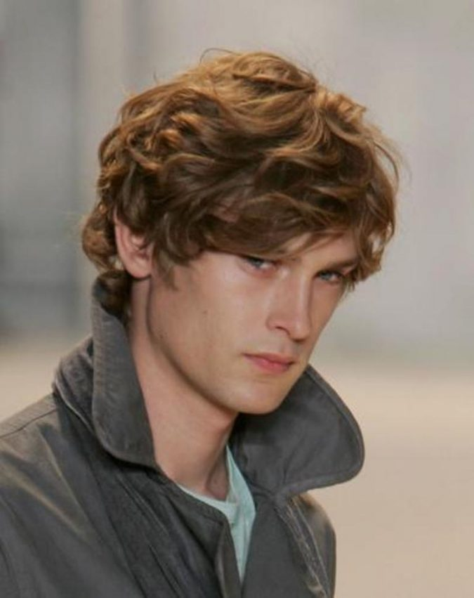 shaggy-hairstyle-for-men-3-675x851 7 Shaggy Hairstyles For Men [2020 Trends List]