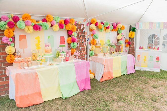 snake-table-garden-party-675x449 Top 10 Most Creative Spring Party Ideas for 2020