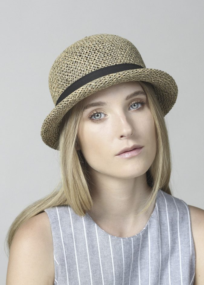 straw-hat-for-women-675x944 8 Catchy Hat Trends for Men & Women in Summer 2020