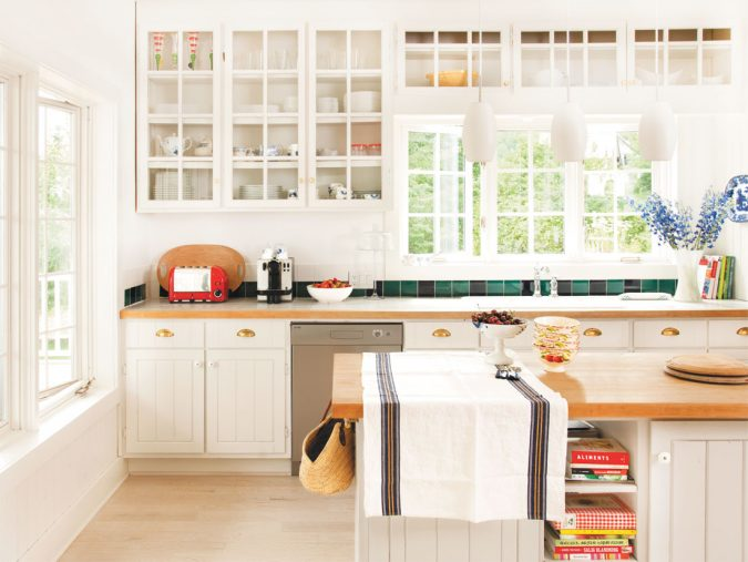 summer-kitchen-decorating-675x507 Top 10 Best Summer Decor Ideas for 2020