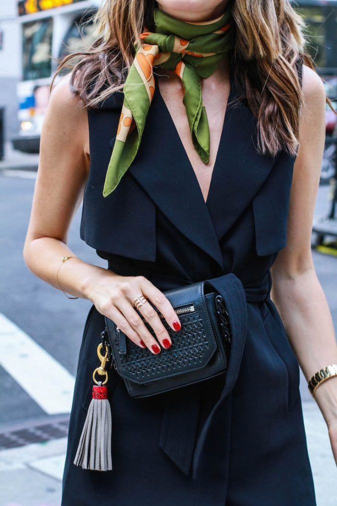 wearing-scarf-as-a-chocker-675x1013 +25 Catchiest Scarf Trends for Women in 2018