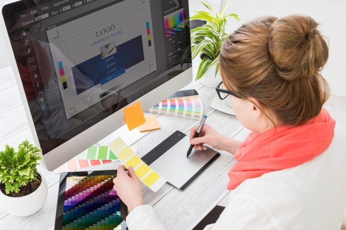 website-graphic-designer-675x450 7 Hidden Benefits of Using a Graphics Designer for Your Website