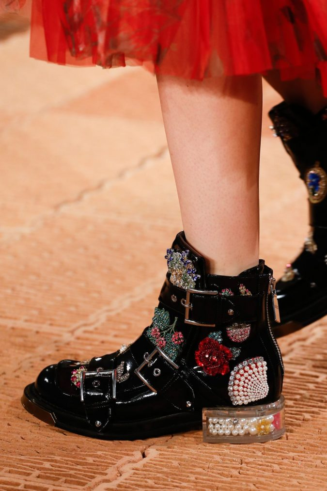 Alexander-McQueen-shoes-2018-675x1013 +8 Catchiest Women's Shoe Trends to Expect in 2020