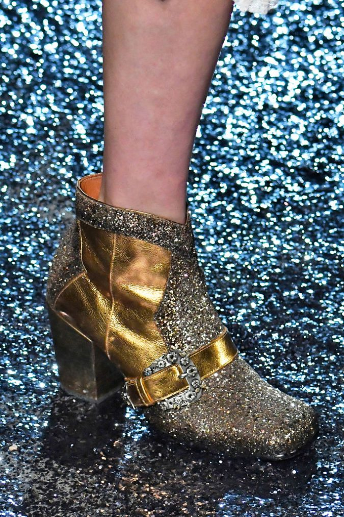 Anna-Sui-glitter-shoe-nyfw-runway-women-shoes-2018-675x1012 +8 Catchiest Women's Shoe Trends to Expect in 2018