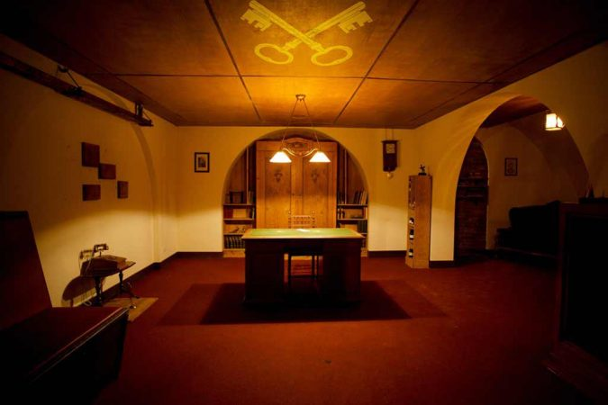 Escape-Room-14-675x450 Top 10 Interesting Things to Know About Real-Life Escape Rooms