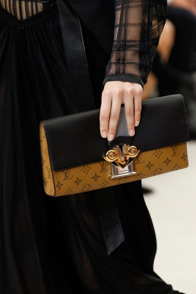 Louis-Vutton-Long-Clutch-675x1013 20+ Newest Handbag Trends in 2018
