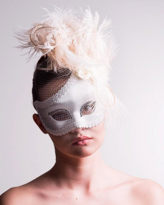 Masquerade-mask-6-675x844 Top 10 Stylish Women's Masquerade Masks for Christmas