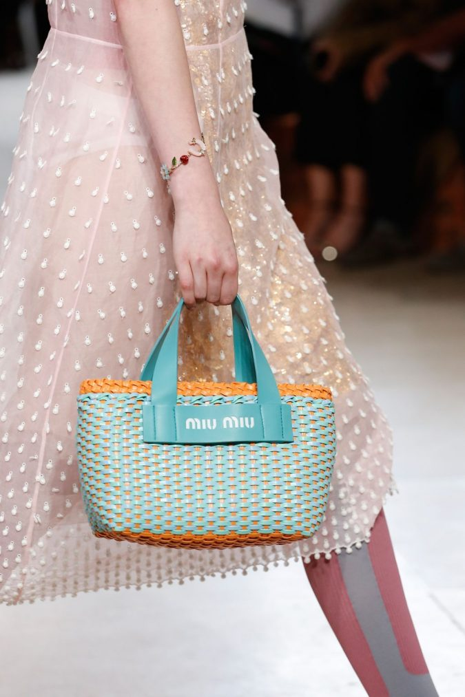 Miu-Miu-straw-handbag-2018-runways-675x1013 20+ Newest Handbag Trends in 2018