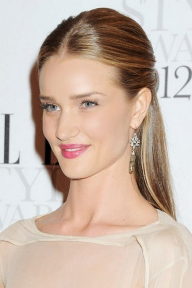 Rosie-Huntington-Whiteley-rosy-lips-2 Top 10 Inspired Celebrity Makeup Ideas for 2018