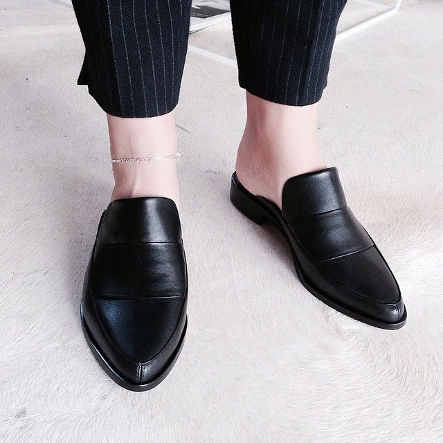 Tibi-flat-mules-women-shoes-2018 +8 Catchiest Women's Shoe Trends to Expect in 2020