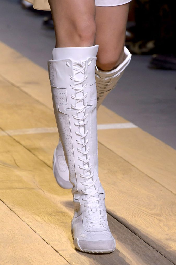 White-boots-dior-women-shoe-trends-2018-675x1013 +8 Catchiest Women's Shoe Trends to Expect in 2018
