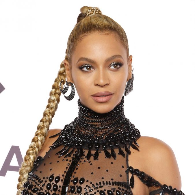 beyonce-braid-shimmering-lids-and-long-lashes-675x675 Top 10 Inspired Celebrity Makeup Ideas for 2018