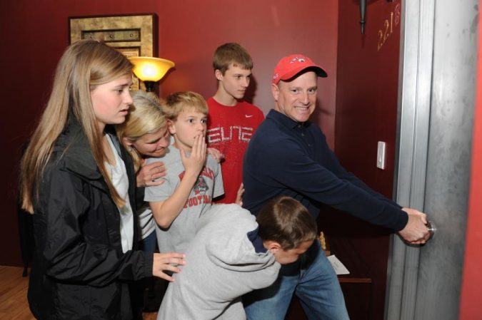escape-room-team-6-675x449 Top 10 Interesting Things to Know About Real-Life Escape Rooms