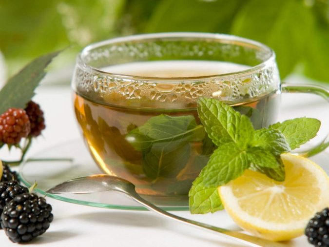 herbal-tea-2-675x506 5 Herbal Tea Infusions to Keep Winter Sickness at Bay