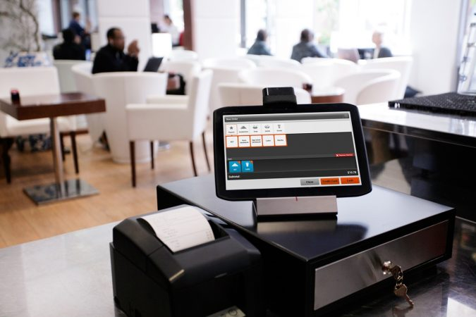 pos-system-software-restaurant-675x450 7 Potential Features Should Be in Any POS Software for Restaurants