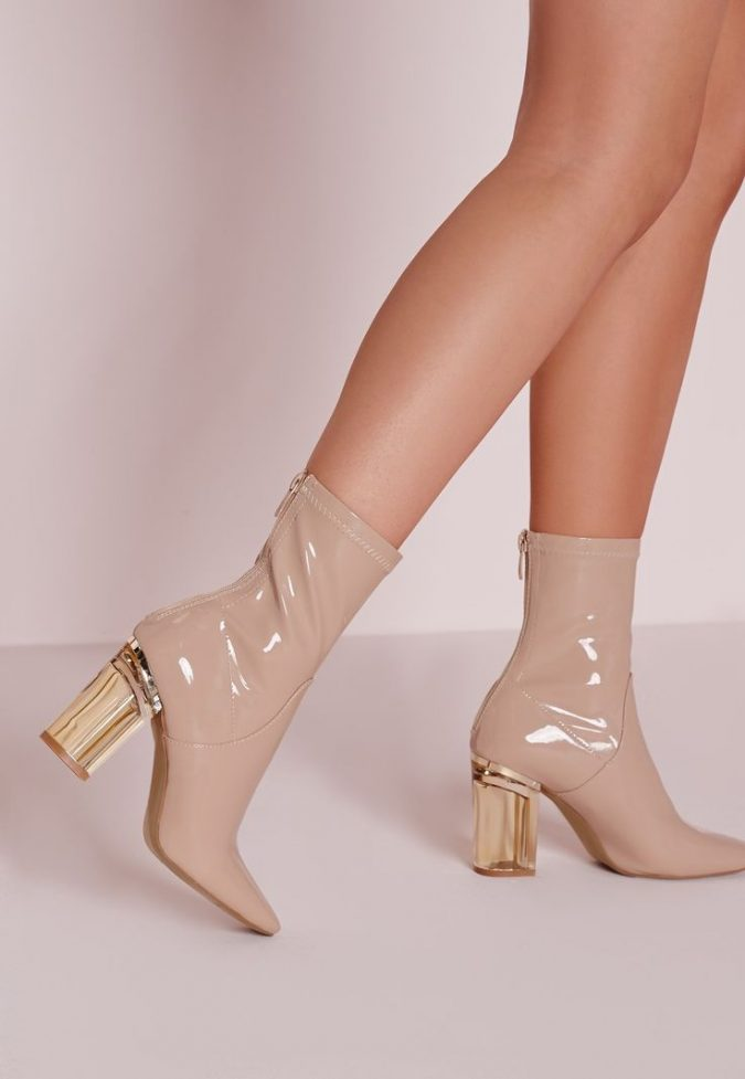 transparent-heels-nude-ankle-boots-shoe-trends-2018-675x977 +8 Catchiest Women's Shoe Trends to Expect in 2018