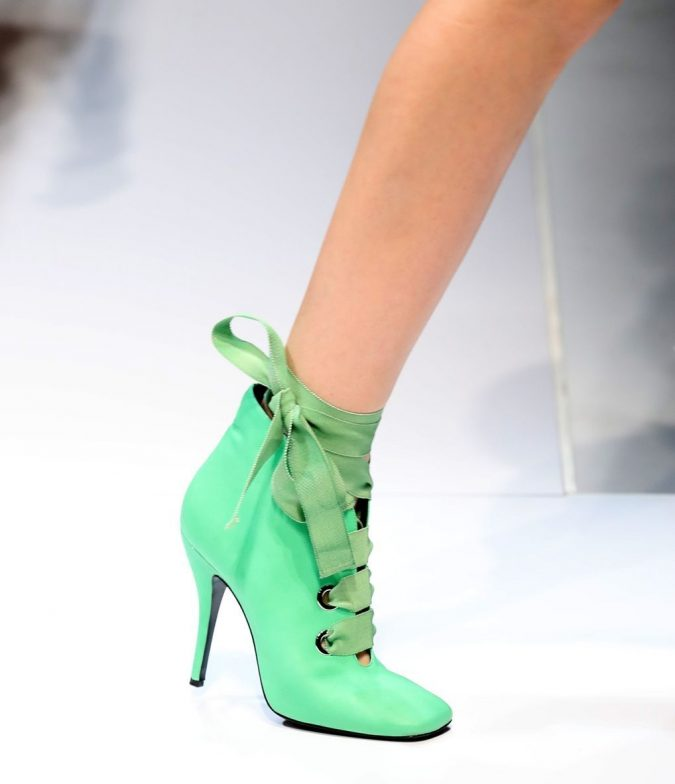women-shoe-675x784 +8 Catchiest Women's Shoe Trends to Expect in 2020