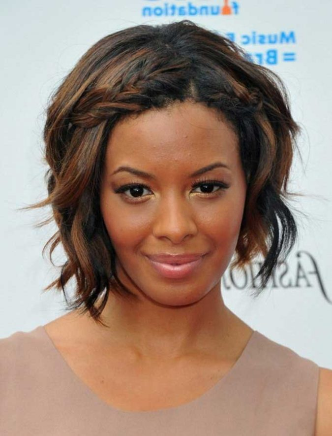 Black-Bob-hairstyle-and-Caramel-highlights-2-675x885 TOP 10 Stylish Bob Hairstyles for Black Women in 2018