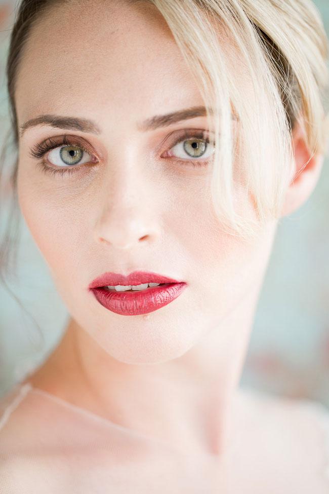 Bridal-Makeup-berry-lip Top 10 Wedding Makeup Ideas for 2018 Brides