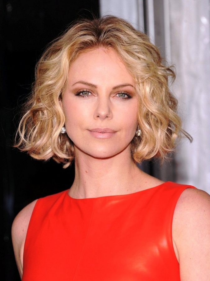 Curly-bob-hairstyle-for-blonde-women-675x902 Top 10 Professional Hairstyles for Blonde Women in 2018