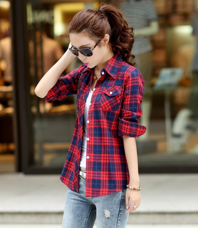 Flannel-Shirts-women-outfit-675x776 12 Outdated Fashion Trends Coming Back in 2020