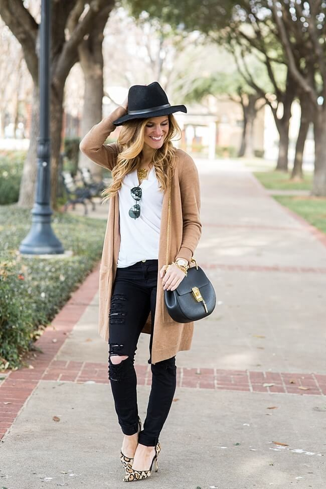 Jeans-and-t-shirt-and-long-cardigan-women-summer-outfit-2 Top 10 Lovely Spring & Summer Outfit Ideas for 2020
